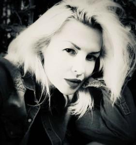 模特儿Oksana Bell